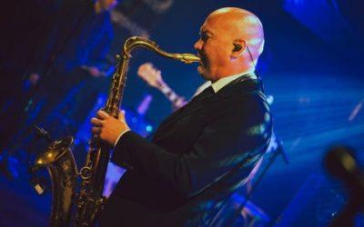 Saxofoondocent Franklin Schieman in Paradiso